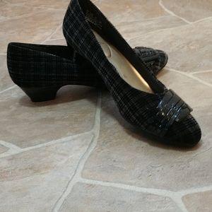 Hush Puppies Soft Style Etroit Velvet Plaid Shoe
